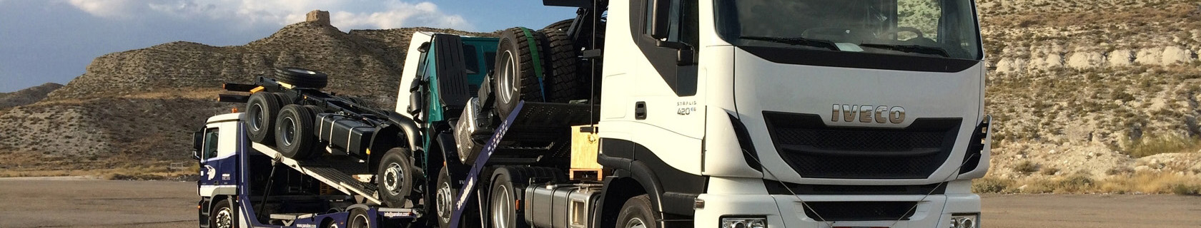 Portavehiculos Pañalón en carretera de la Mancha